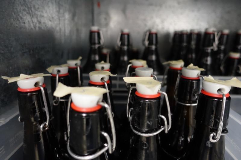 Läfft Bier, Flaschen in der Kühlung